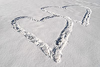/images/133/2007-02-14-lone-hearts2.jpg - #03474: hearts in the snow in Sweetwater Park … Feb 2007 -- Sweetwater Park, Lone Tree, Colorado