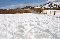 /images/133/2007-05-28-indep-mtns04.jpg - #03819: snowy walkway with Independence Mountain at 12,703 ft in the background … May 2007 -- Independence Pass, Colorado