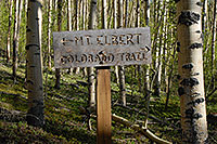 /images/133/2007-06-10-elbert-sign.jpg - #03897: South Trail of Mt Elbert trail to the left, Colorado Trail to the right … June 2007 -- Mt Elbert, Colorado