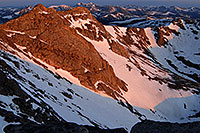 /images/133/2007-06-17-evans-top-mor2.jpg - #03969: morning sun view from Mt Evans … June 2007 -- Mt Evans, Colorado