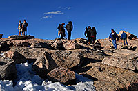 /images/133/2007-06-17-evans-top-people.jpg - #03972: people on top of Mt Evans … June 2007 -- Mt Evans, Colorado