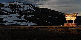 /images/133/2007-06-24-indep-sign-pano.jpg - #04035: evening at Independence Pass … June 2007 -- Independence Pass, Colorado