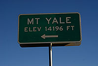 /images/133/2007-06-25-sign-yale.jpg - #04076: Mt Yale - elev 14,196 ft … June 2007 -- Mt Yale, Colorado