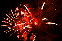 /images/133/2007-07-04-lone-fireworks01.jpg - #04112: Independence Day Fireworks - 4th of July in Lone Tree … July 2007 -- Sweetwater Park, Lone Tree, Colorado