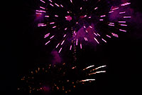 /images/133/2007-07-04-lone-fireworks04.jpg - #04115: Independence Day Fireworks - 4th of July in Lone Tree … July 2007 -- Sweetwater Park, Lone Tree, Colorado