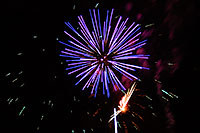 /images/133/2007-07-04-lone-fireworks08.jpg - #04119: Independence Day Fireworks - 4th of July in Lone Tree … July 2007 -- Sweetwater Park, Lone Tree, Colorado