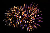 /images/133/2007-07-04-lone-fireworks15.jpg - #04126: Independence Day Fireworks - 4th of July in Lone Tree … July 2007 -- Sweetwater Park, Lone Tree, Colorado