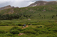 /images/133/2007-07-07-biers-hikers02.jpg - #04147: Hikers returning from Mt Bierstadt (14,060 ft, on the right) … The Sawtooth (13,780 ft, on the left) … July 2007 -- The Sawtooth, Mt Bierstadt, Colorado