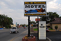 /images/133/2007-07-20-wyo-riverton02.jpg - #04236: The Ol` Wyoming Motel - We don`t rest until you do! … July 2007 -- Riverton, Wyoming