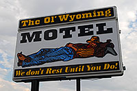/images/133/2007-07-20-wyo-riverton03.jpg - #04237: The Ol` Wyoming Motel - We don`t rest until you do! … July 2007 -- Riverton, Wyoming
