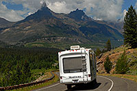 /images/133/2007-07-27-wyo-bear-road05.jpg - #04440: Montana Motorhome along Beartooth Pass Highway … July 2007 -- Beartooth Pass(WY), Wyoming