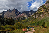 /images/133/2007-09-15-mar-ppl-3306.jpg - #04660: People at Maroon Bells … Sept 2007 -- Maroon Lake, Maroon Bells, Colorado