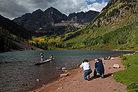 /images/133/2007-09-15-mar-ppl-3409.jpg - #04664: People at Maroon Bells … Sept 2007 -- Maroon Lake, Maroon Bells, Colorado