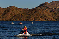 /images/133/2007-10-07-sag-lake-5562.jpg - #04727: Jetskis at Saguaro Lake … Oct 2007 -- Saguaro Lake, Arizona