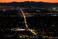 /images/133/2008-09-23-squaw-city-29787.jpg - #05900: View from Squaw Peak west at Phoenix -- 7pm traffic along Northern Ave … September 2008 -- Squaw Peak, Phoenix, Arizona