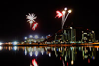/images/133/2008-10-25-tempe-fireworks-39762.jpg - #05959: Fireworks over ASU from Tempe Town Lake … October 2008 -- Tempe Town Lake, Tempe, Arizona