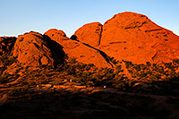 /images/133/2008-12-05-papago-shade-60147.jpg - #06332: Ramada by the Buttes of  Papago Park … December 2008 -- Papago Park, Phoenix, Arizona