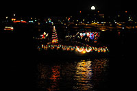 /images/133/2008-12-13-tempe-lights-boats-63120.jpg - #06435: Boat #10 - APS Fantasy of Lights Boat Parade … December 2008 -- Tempe Town Lake, Tempe, Arizona