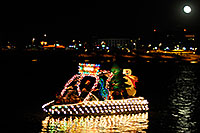 /images/133/2008-12-13-tempe-lights-boats-63296.jpg - #06438: Boat #24 - APS Fantasy of Lights Boat Parade … December 2008 -- Tempe Town Lake, Tempe, Arizona