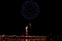 /images/133/2008-12-31-tempe-fireworks-70030.jpg - #06707: New Year`s Fireworks at Tempe Town Lake … December 2008 -- Tempe Town Lake, Tempe, Arizona