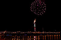 /images/133/2008-12-31-tempe-fireworks-70031.jpg - #06709: New Year`s Fireworks at Tempe Town Lake … December 2008 -- Tempe Town Lake, Tempe, Arizona