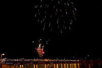 /images/133/2009-01-01-tempe-fireworks-70891.jpg - #06734: New Year`s Fireworks at Tempe Town Lake … January 2009 -- Tempe Town Lake, Tempe, Arizona