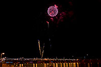 /images/133/2009-01-01-tempe-fireworks-70999.jpg - #06738: New Year`s Fireworks at Tempe Town Lake … January 2009 -- Tempe Town Lake, Tempe, Arizona