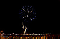 /images/133/2009-01-01-tempe-fireworks-71046.jpg - #06745: New Year`s Fireworks at Tempe Town Lake … January 2009 -- Tempe Town Lake, Tempe, Arizona