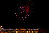 /images/133/2009-01-01-tempe-fireworks-71144.jpg - #06747: New Year`s Fireworks at Tempe Town Lake … January 2009 -- Tempe Town Lake, Tempe, Arizona