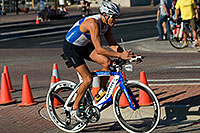 /images/133/2009-09-27-nathan-tri-cycle-114312.jpg - #07475: 01:53:11 - #1387 cycling at Nathan Triathlon … September 2009 -- Tempe Town Lake, Tempe, Arizona