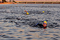 /images/133/2009-10-22-tempe-splash-swim-117619.jpg - #07606: 00:08:56 into the race - Splash and Dash Fall #3, Oct 22, 2009 at Tempe Town Lake … October 2009 -- Tempe Town Lake, Tempe, Arizona