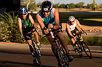 /images/133/2009-10-25-soma-bike-118327.jpg - #07623: 01:06:56 #562 cycling at Soma Triathlon … October 25, 2009 -- Rio Salado Parkway, Tempe, Arizona