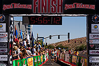 /images/133/2009-10-25-soma-run-120177.jpg - #07715: 05:56:12 Runners finishing at Soma Triathlon … October 25, 2009 -- Tempe Town Lake, Tempe, Arizona