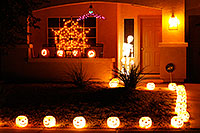 /images/133/2009-11-01-chandler-halloween-120704.jpg - #07774: Halloween in Chandler … October 2009 -- Chandler, Arizona
