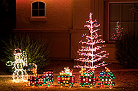/images/133/2009-12-10-chandler-houses-127191.jpg - #07957: Christmas decorations in Chandler … December 2009 -- Chandler, Arizona