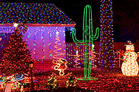 /images/133/2009-12-27-chandler-christmas-131218.jpg - #08018: Christmas decorations in Chandler … December 2009 -- Chandler, Arizona
