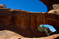 /images/133/2010-09-11-arches-doubleo-33178.jpg - #08650: People at Double O Arch in Arches National Park … September 2010 -- Double O Arch, Arches Park, Utah