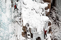 /images/133/2011-01-09-ouray-climbers-48190.jpg - #09037: Ice climbing by Ouray … January 2011 -- Ouray, Colorado