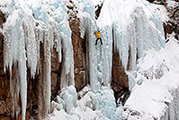 /images/133/2011-01-09-ouray-climbers-48311.jpg - #09040: Ice climbing by Ouray … January 2011 -- Ouray, Colorado