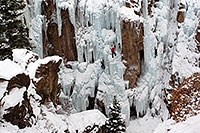 /images/133/2011-01-09-ouray-climbers-48429.jpg - #09043: Ice climbing by Ouray … January 2011 -- Ouray, Colorado
