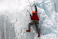 /images/133/2011-01-09-ouray-climbers-48441.jpg - #09046: Ice climbing by Ouray … January 2011 -- Ouray, Colorado