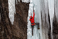 /images/133/2011-01-09-ouray-climbers-48947.jpg - #09058: Ice climbing by Ouray … January 2011 -- Ouray, Colorado