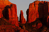 /images/133/2011-04-10-sedona-cathedral-66476.jpg - #09129: Evening light on Cathedral Rock in Sedona … April 2011 -- Cathedral Rock, Sedona, Arizona