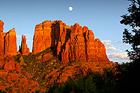 /images/133/2011-08-10-sedona-cathedral-90235.jpg - #09412: Cathedral Rock in Sedona … August 2011 -- Cathedral Rock, Sedona, Arizona