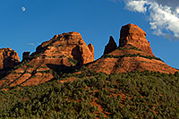 /images/133/2011-09-07-sedona-3sisters-92835.jpg - #09447: Images of Sedona … September 2011 -- Sedona, Arizona