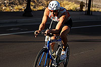 /images/133/2011-09-25-nathan-bike-100012.jpg - #09543: 01:08:38 #900 cycling at Nathan Triathlon 2011 … September 2011 -- Rio Salado Parkway, Tempe, Arizona