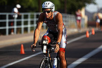 /images/133/2011-09-25-nathan-bike-100257.jpg - #09546: 01:24:48 #828 cycling at Nathan Triathlon 2011 … September 2011 -- Rio Salado Parkway, Tempe, Arizona