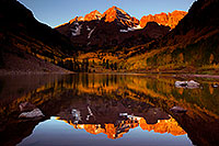 /images/133/2011-09-30-maroon-reflection-102307.jpg - #09560: Morning reflection of Maroon Bells in Colorado … September 2011 -- Maroon Bells, Colorado