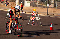 /images/133/2011-11-20-ironman-bike-pros-122373.jpg - #09785: 02:42:21 - #89 Donna Phelan [CAN] (eventually DNF run) at start of Lap 2 - Ironman Arizona 2011 … November 2011 -- Rio Salado Parkway, Tempe, Arizona