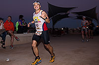 /images/133/2013-11-17-ironman-run-night-1dx_3334.jpg - #11350:  - Running at Ironman Arizona 2013 … November 2013 -- Tempe Town Lake, Tempe, Arizona